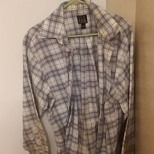 Jo's. A bank button up - lg